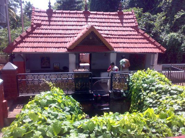Dakshina Mookambika Panchikkad Saraswathi Temple