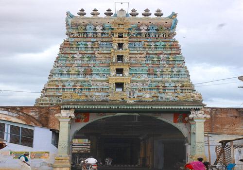 Tirunanguneri Thotadrinathar Vishnu Temple