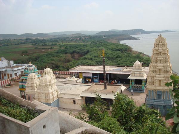 Vedadri Yogananda Lakshmi Narasimha Swamy Temple