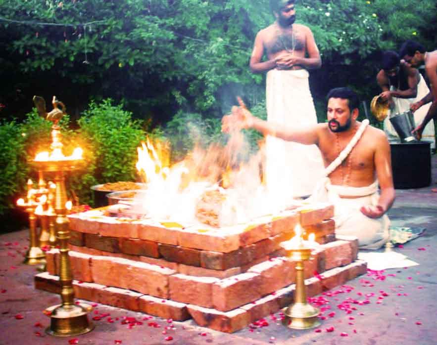 Homam/Havan For Pregnancy, To Conceive & Beget Children-Puthra Kameshti Santhana Gopala Homam/Havan